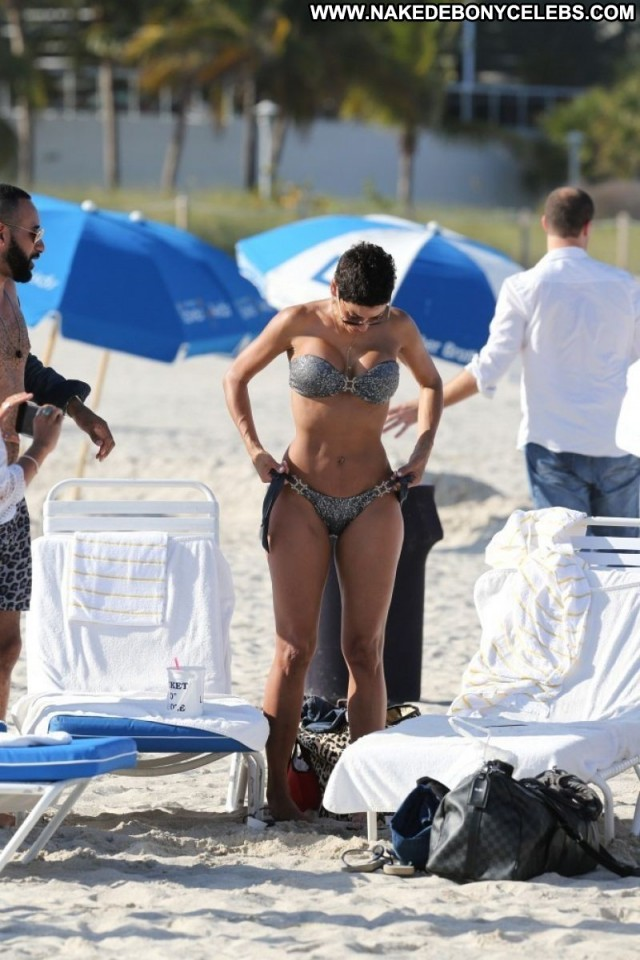 Nicole Murphy Miscellaneous Big Tits Celebrity Brunette Pretty Doll