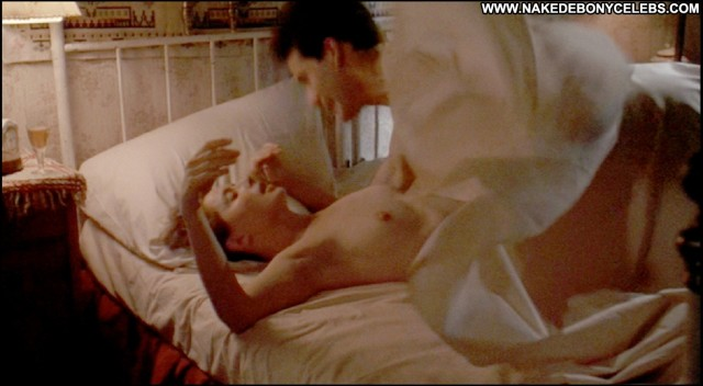 Isabella Rossellini The Innocent Sensual Celebrity Sexy Stunning