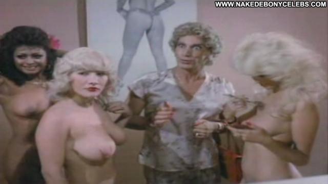 Doris Pavel Entre Ficheras Anda El Diablo La Pulquer Sultry Big Tits