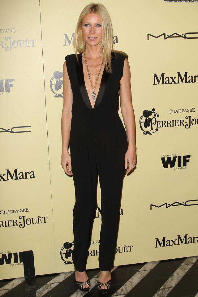 Gwyneth Paltrow Lax Airport Nice Cute Sexy Hot Beautiful Celebrity