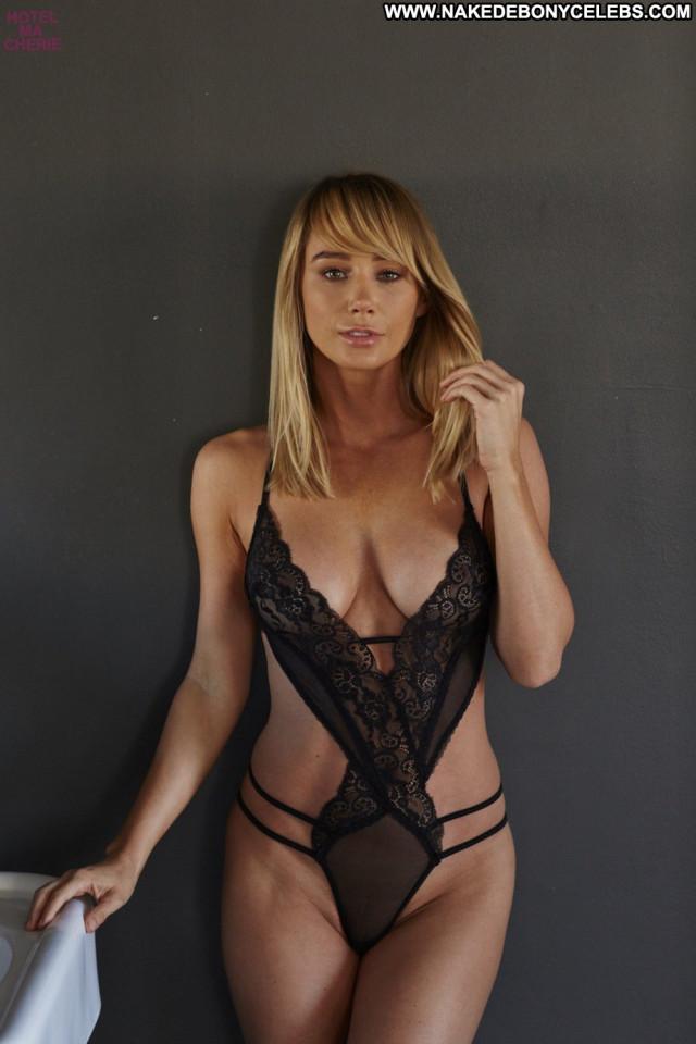 Sara Jean Underwood No Source Beautiful Posing Hot Celebrity