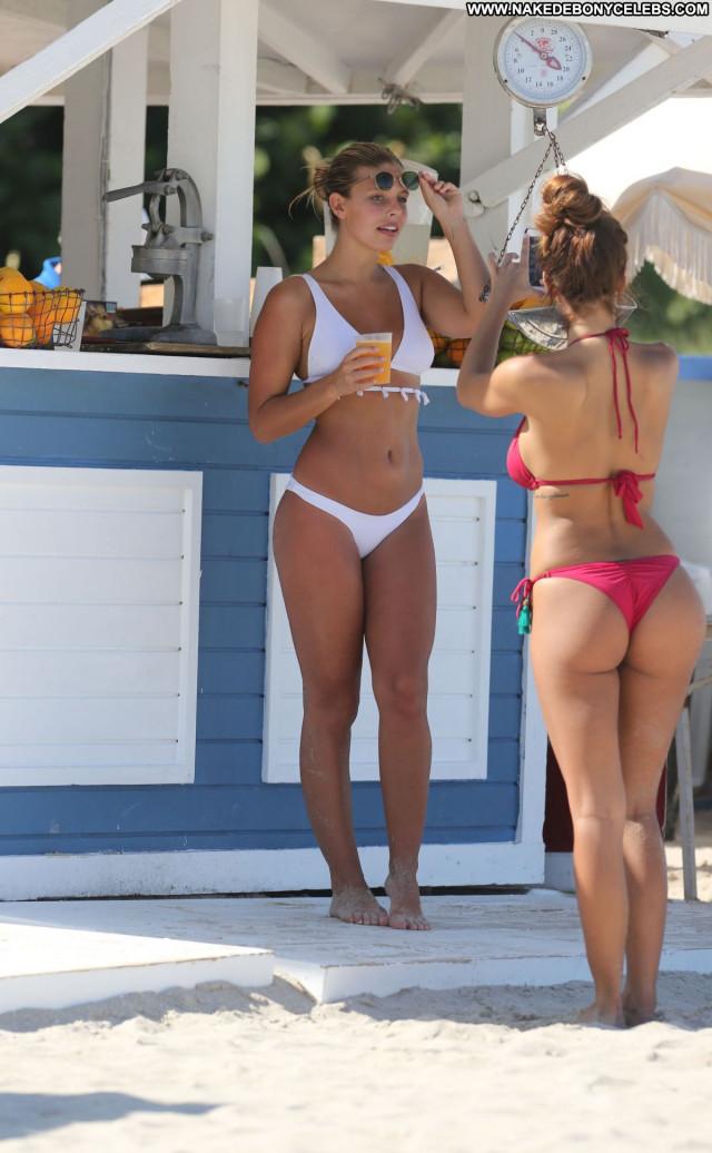 Natasha Oakley No Source  Babe Sexy Posing Hot Beautiful Celebrity