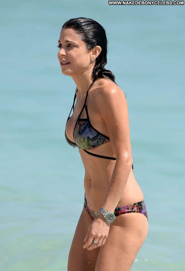 Bethenny Frankel The Beach Candids Bikini Beach Posing Hot Beautiful