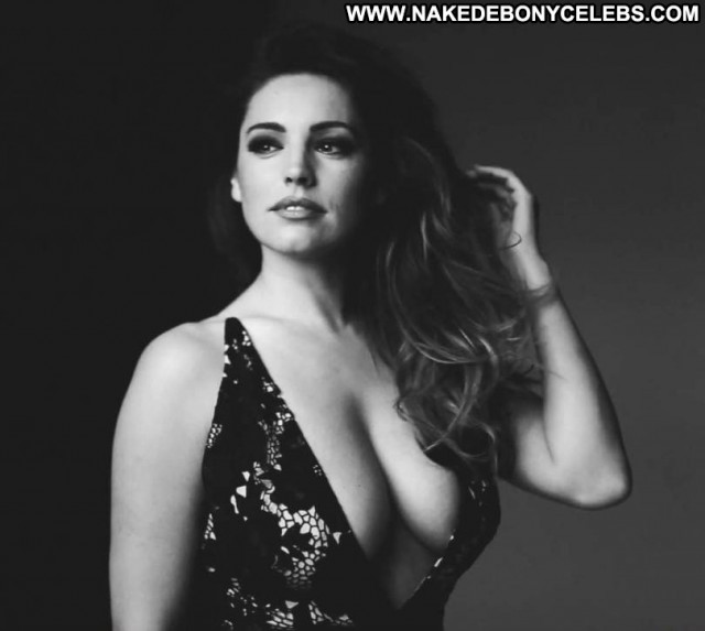 Kelly Brook No Source Posing Hot Calendar Babe Celebrity Beautiful