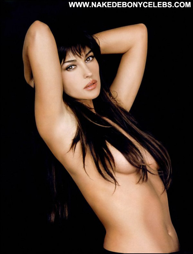Monica Bellucci Vita Coi Figli Celebrity French Babe Beautiful Posing