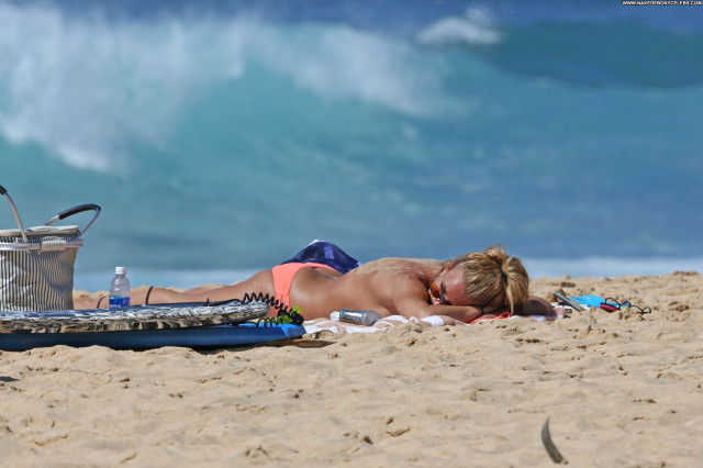Britney Spears The Beach Beautiful Babe Singer Celebrity Beach Posing