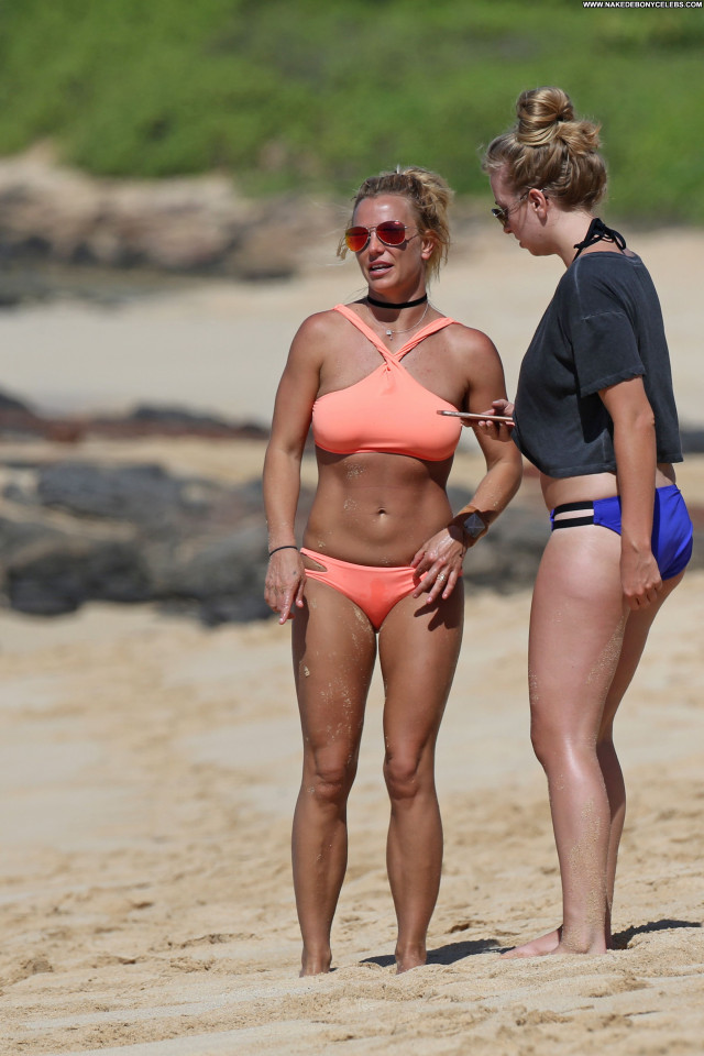 Britney Spears The Beach Babe Beach Singer Posing Hot Beautiful