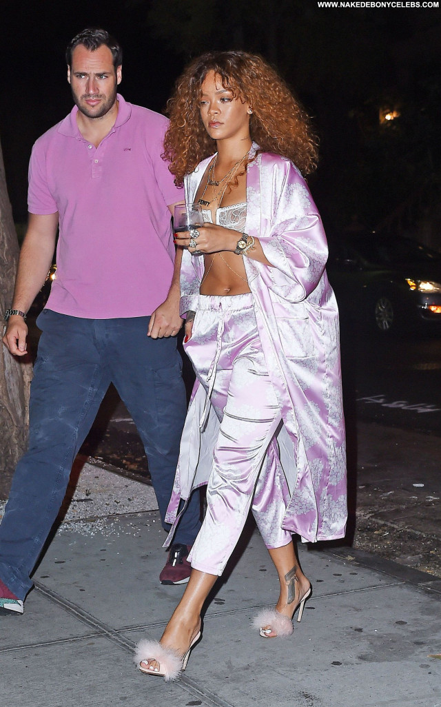 Rihanna New York Ebony Celebrity Babe Beautiful Posing Hot See