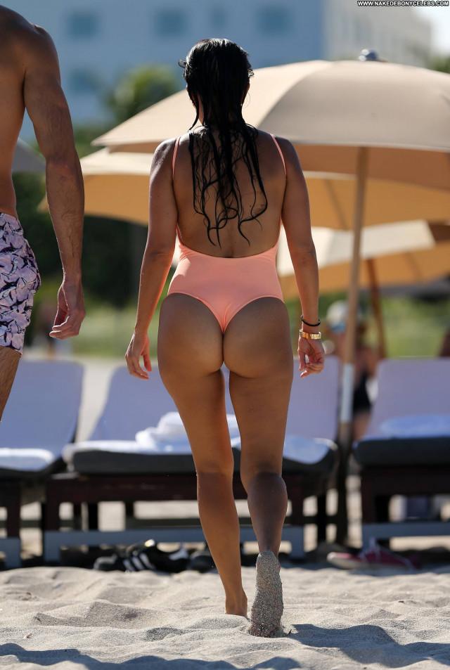 Kourtney Kardashian The Beach American Celebrity Babe Natural