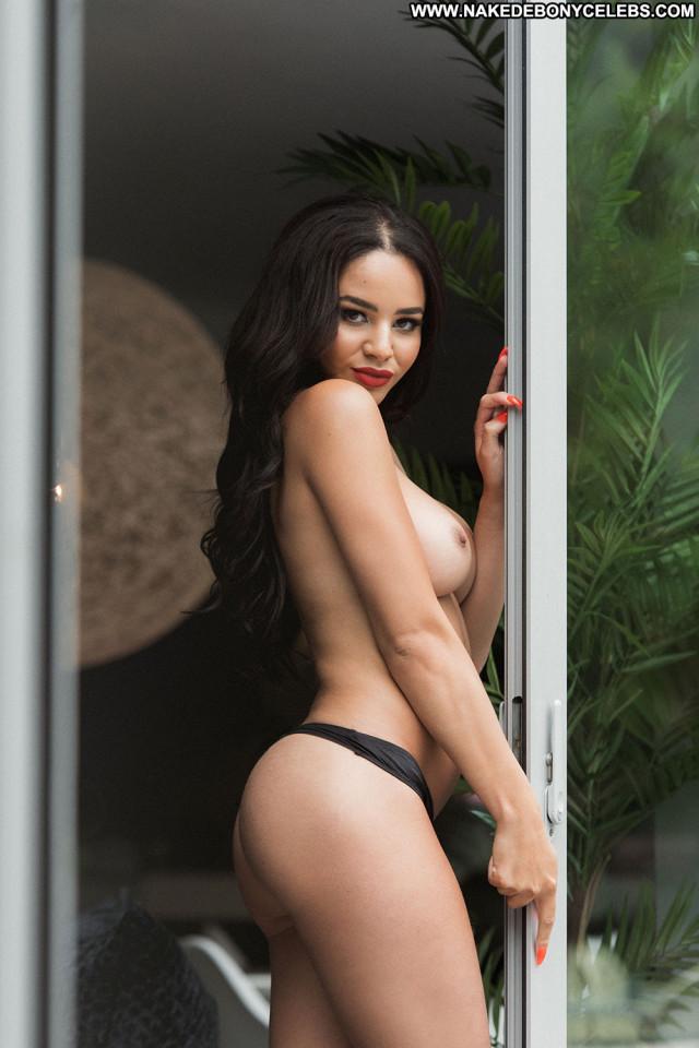 Courtnie Quinlan No Source  Big Tits British Black Boobs Brunette