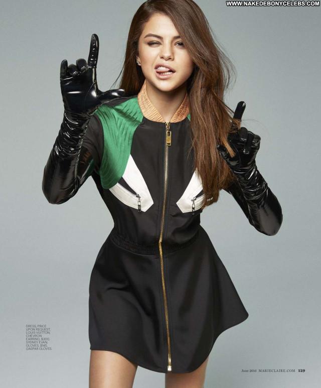 Selena Gomez Actress Posing Hot Beautiful Babe Sexy Celebrity American