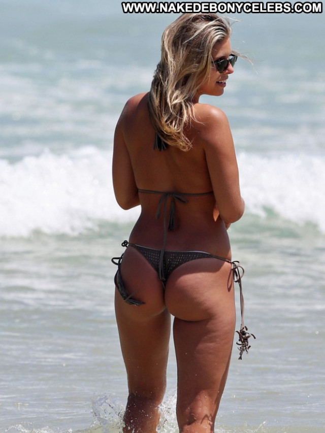 Natasha Oakley The Beach Posing Hot Model Paparazzi Beautiful