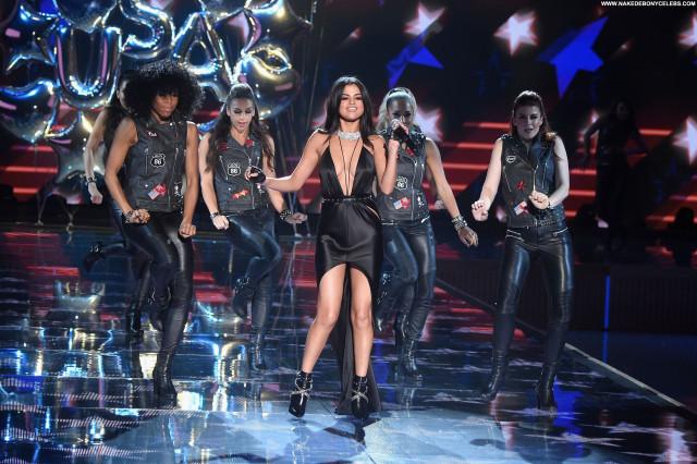 Selena Gomez Fashion Show Celebrity Cleavage Sexy Posing Hot Fashion