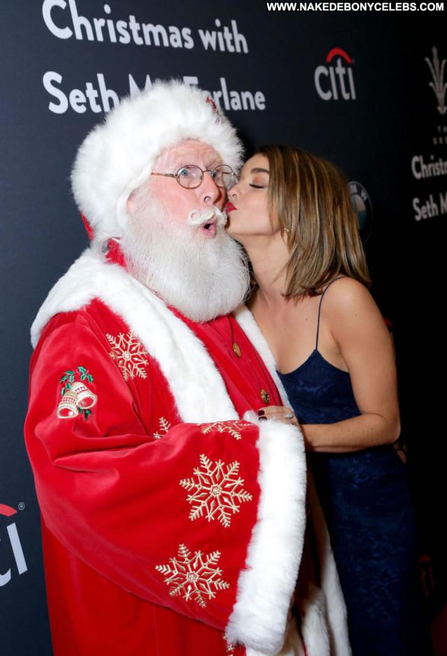 Sarah Hyland The Grove Posing Hot Beautiful Babe Christmas Celebrity