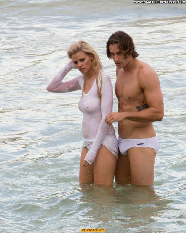 Lara Stone No Source Babe Beautiful Celebrity Wet Photoshoot See