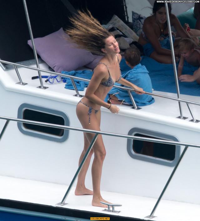 Gisele Bundchen No Source Ass Crack Ass Brazil Yacht Babe Bra