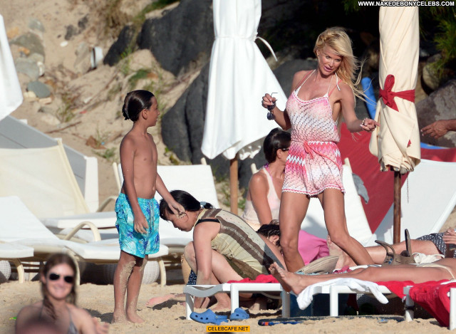 Victoria Silvstedt Babe Beautiful Celebrity Posing Hot Sex Bikini Bar