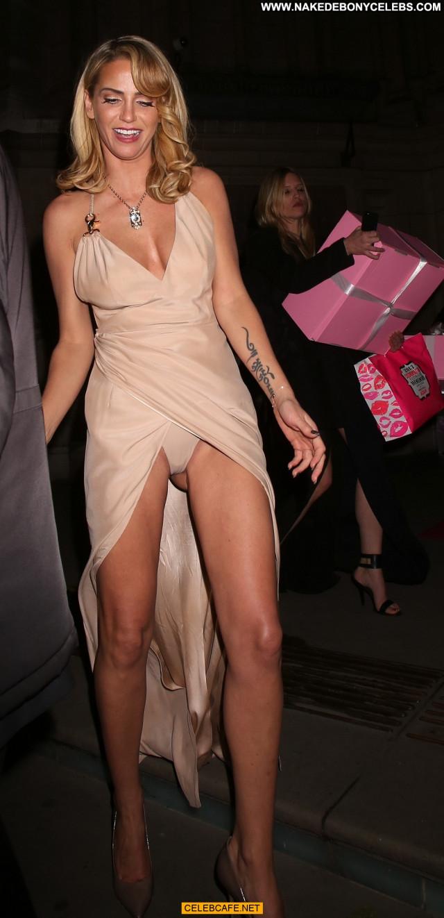 Sarah Harding No Source Babe Upskirt Celebrity Posing Hot Pants