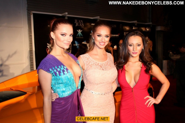 Amy Markham No Source Posing Hot Babe Cleavage Celebrity Beautiful
