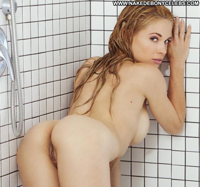 Dani Mathers Full Frontal Posing Hot Nude Hot Wet Beautiful Behind