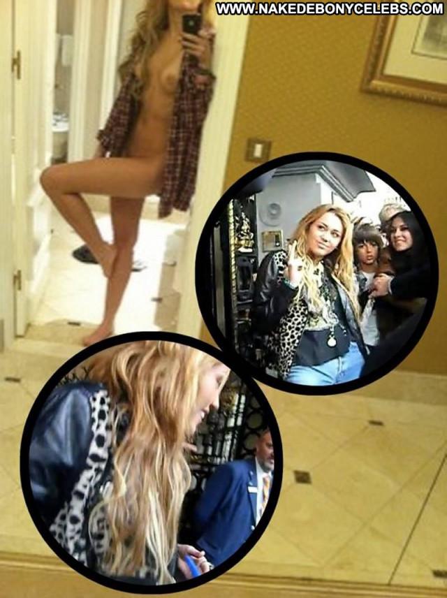Miley Cyrus One Way Beautiful Posing Hot Babe Hotel Nude Hot Shirt