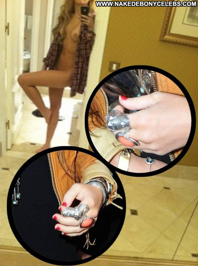 Miley Cyrus One Way Leaked Nude Celebrity Hotel Babe Shirt Posing Hot