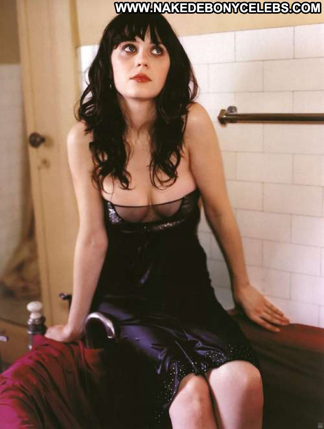 Zooey Deschanel Famous Glamour Nude Cute Perfect Mom Posing Hot