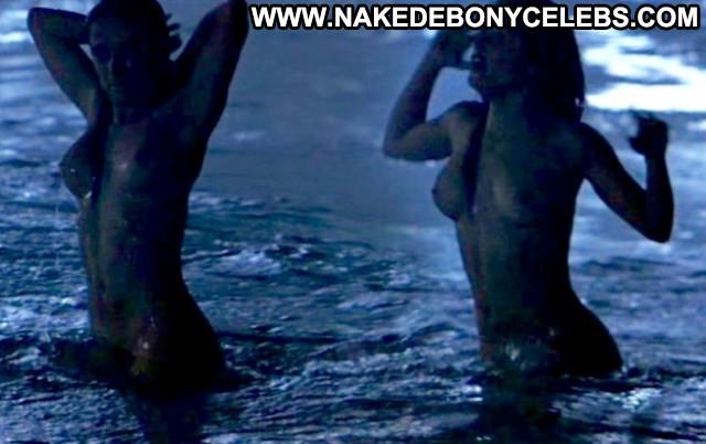 Salma Hayek No Source Amateur Park Crazy Nude Asian Bar Live Posing