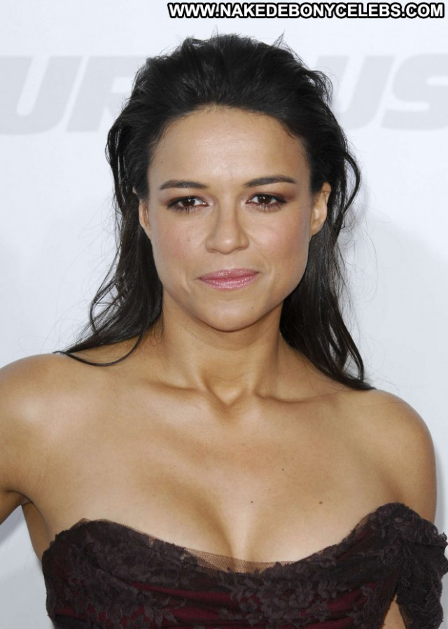 Michelle Rodriguez Paparazzi Beautiful Posing Hot Babe Celebrity