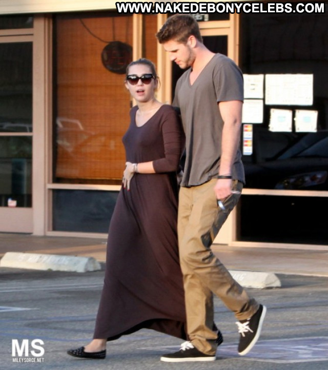 Miley Cyrus Beverly Hills Posing Hot Beautiful Celebrity Candid Babe
