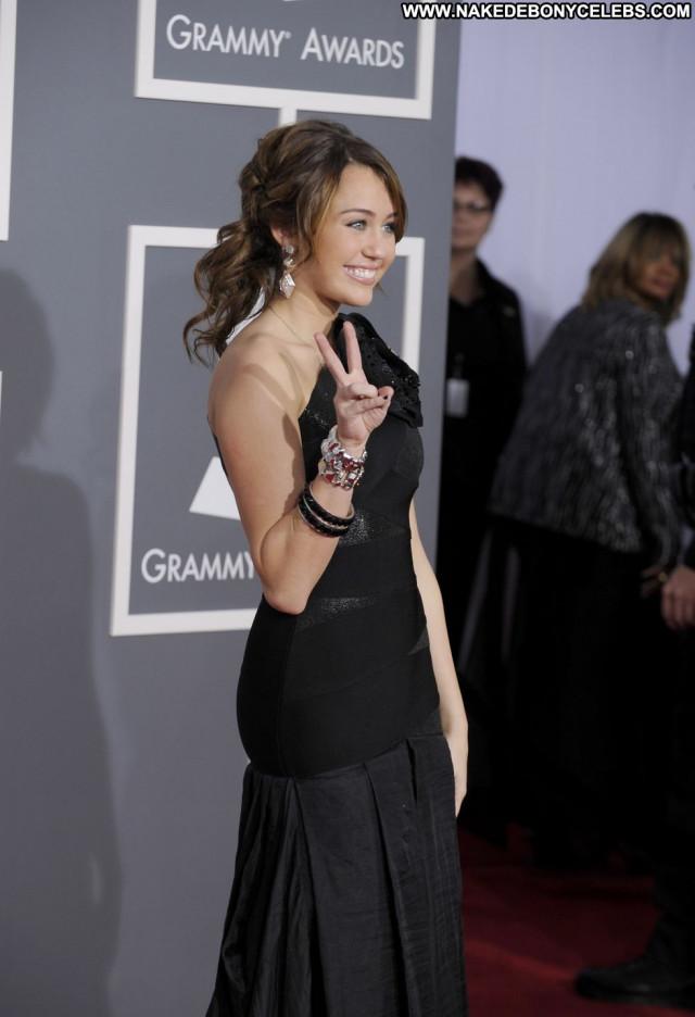 Miley Cyrus Grammy Awards Beautiful Posing Hot Babe Awards Celebrity