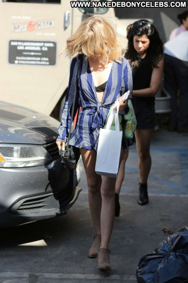 Sarah Hyland West Hollywood Posing Hot Beautiful Paparazzi Babe