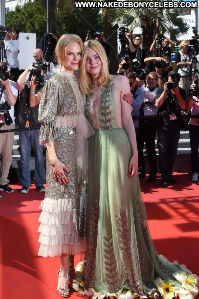 Nicole Kidma Cannes Film Festival Paparazzi Babe Celebrity Posing Hot