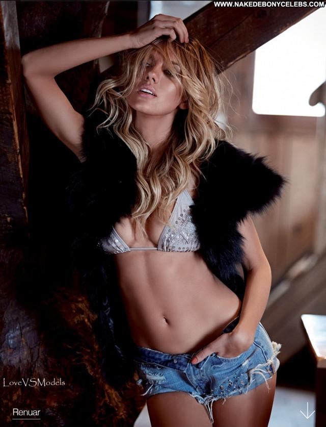 Charlotte Mckinney Los Angeles Shorts Babe Posing Hot Toples Sex