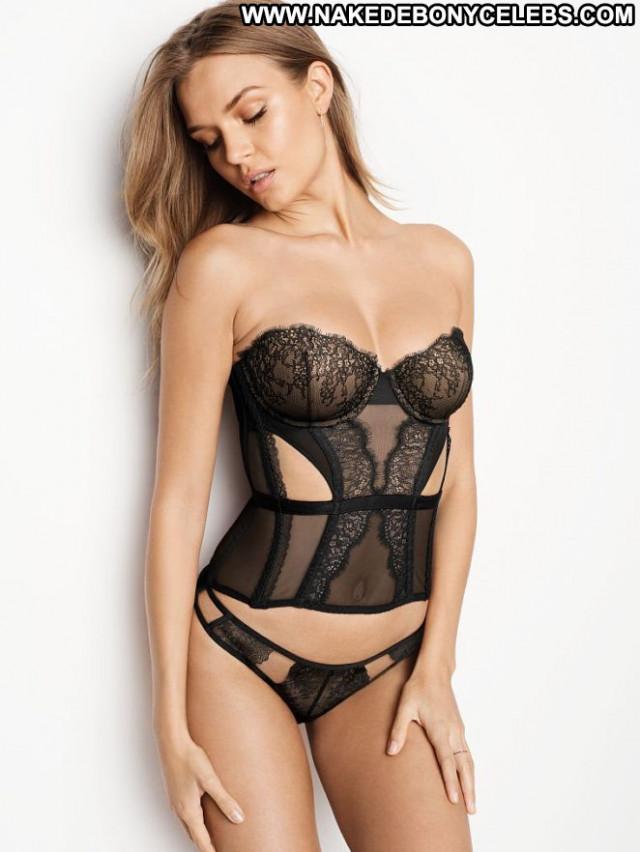 Josephine Skriver Victorias Secret Celebrity Posing Hot Babe