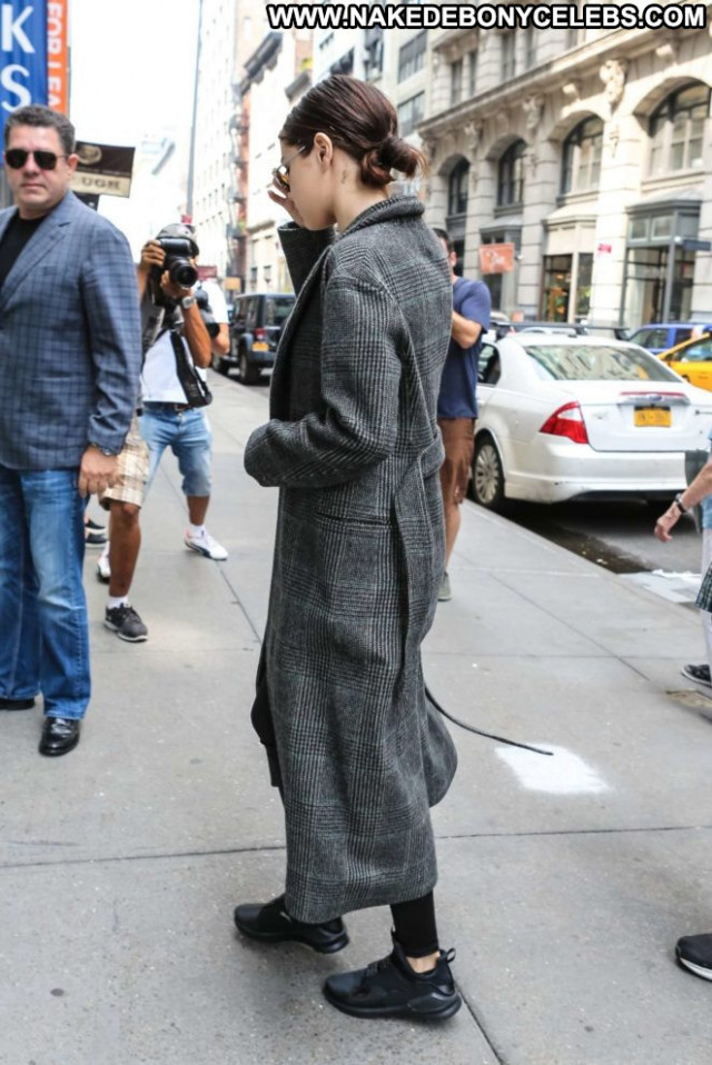 Selena Gomez No Source  Celebrity Paparazzi Babe Beautiful Nyc Posing