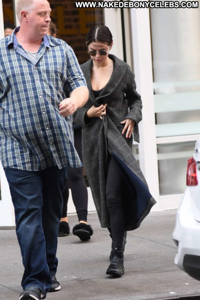 Selena Gomez No Source Posing Hot Babe Beautiful Nyc Celebrity