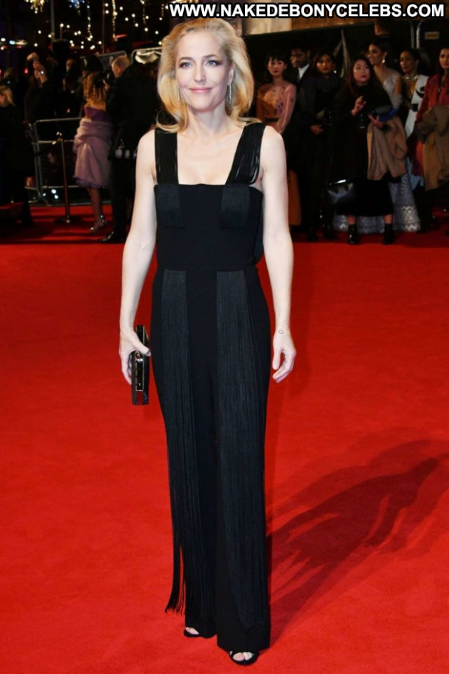 Gillian Anderson The Crow Beautiful Paparazzi Sea Celebrity Babe