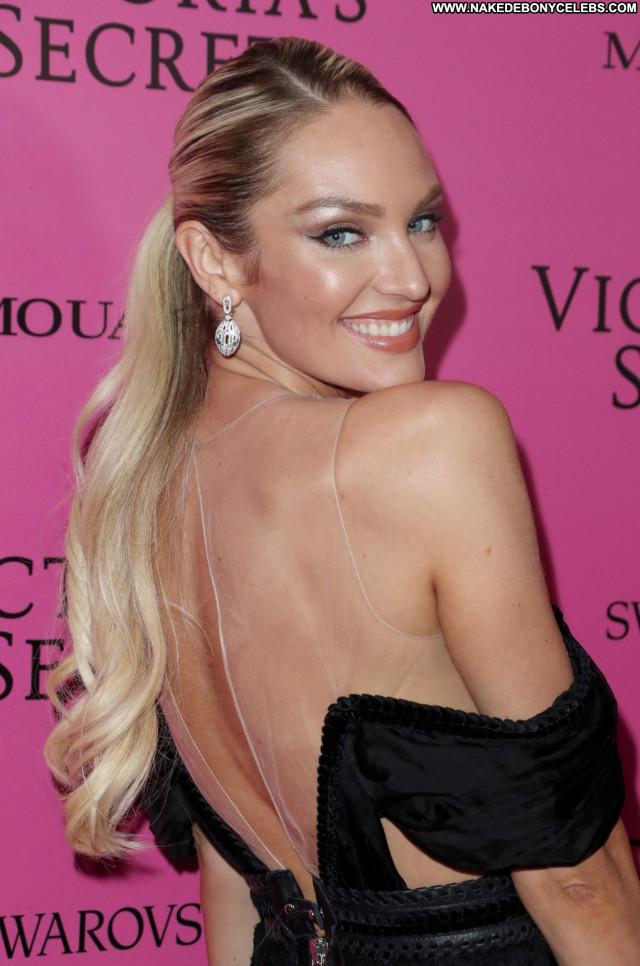 Gigi Hadid Mercedes Benz Fashion Week Celebrity Lingerie Babe Fashion