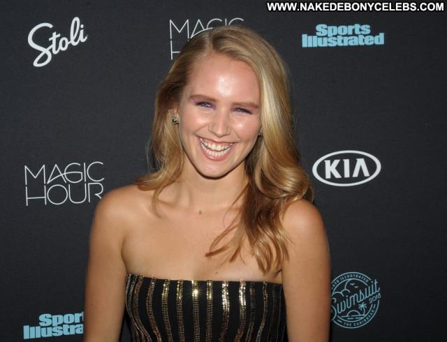 Anne De Paula Sports Illustrated Swimsuit Legs Celebrity Model Desi