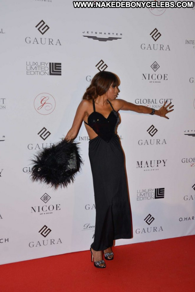Mia Frye Cannes Film Festival  Babe Posing Hot Paparazzi Celebrity