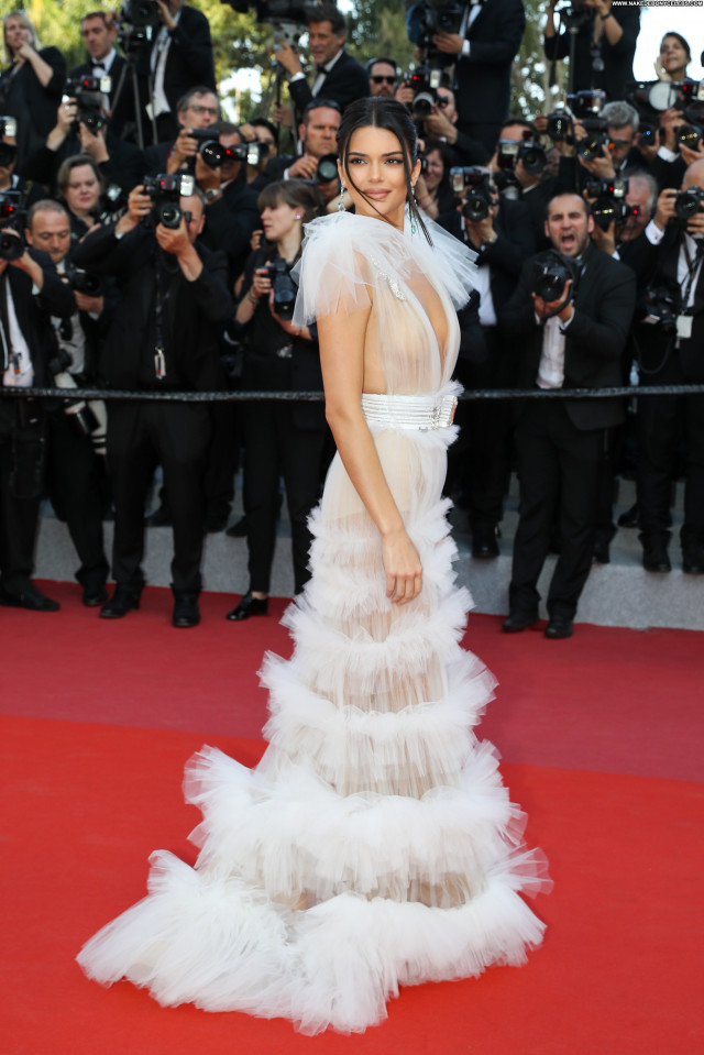 Reply Cannes Film Festival Posing Hot Beautiful Bra Videos Red Carpet