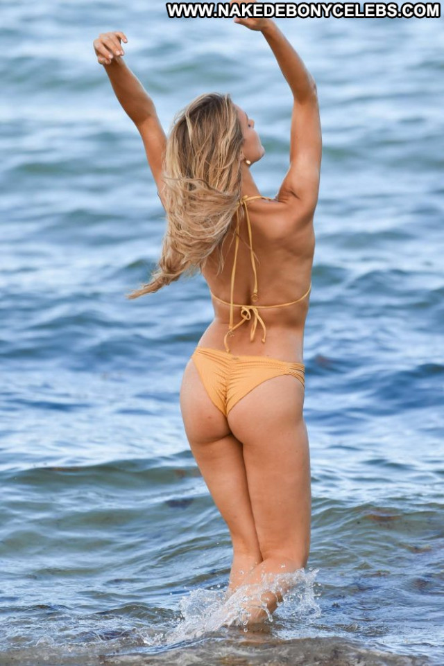 Photos Miami Beach  Celebrity Babe Posing Hot Beach Bikini Paparazzi