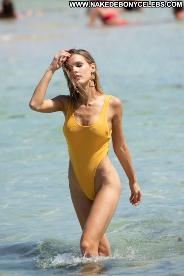 Photos Miami Beach Celebrity Beautiful Beach Posing Hot Babe
