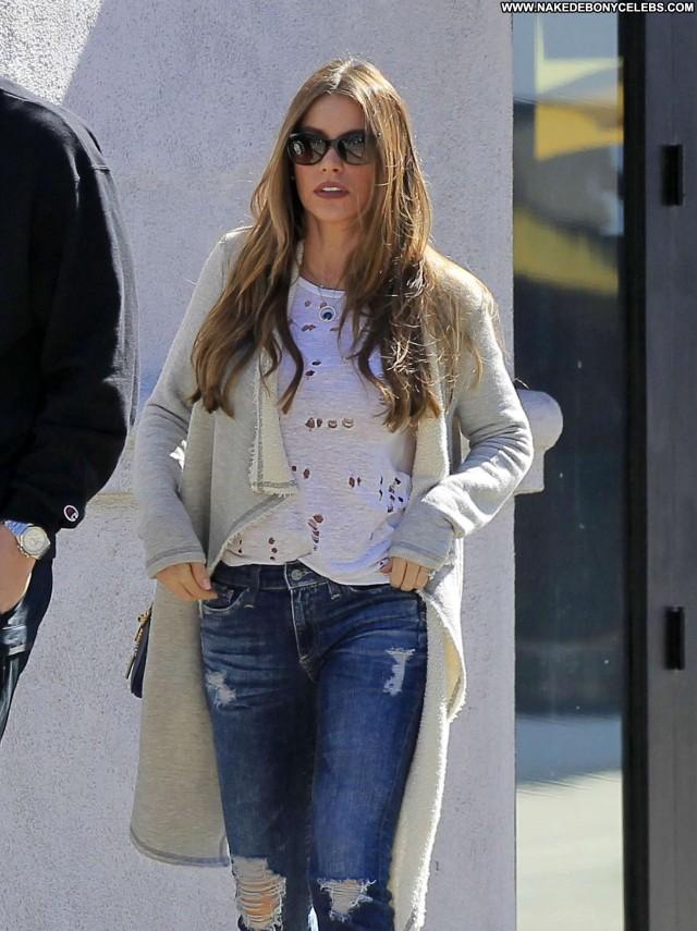 Sofia Vergara Los Angeles Angel Posing Hot Beautiful Paparazzi