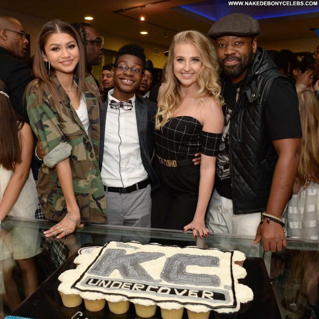 Zendaya Coleman No Source Paparazzi Posing Hot Beautiful Party