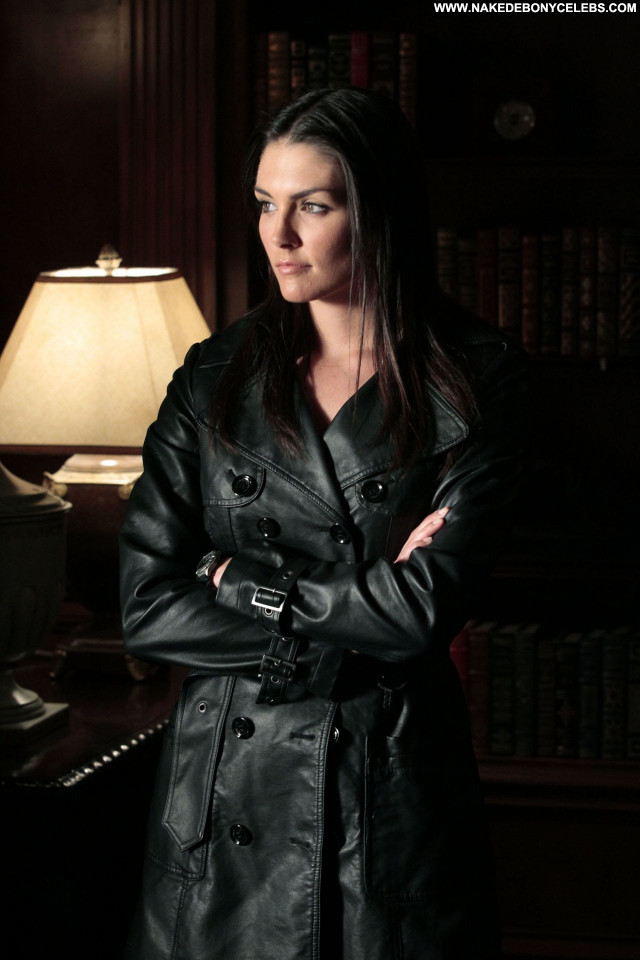 Nude Celebrity Taylor Cole Pictures and Videos | Famous