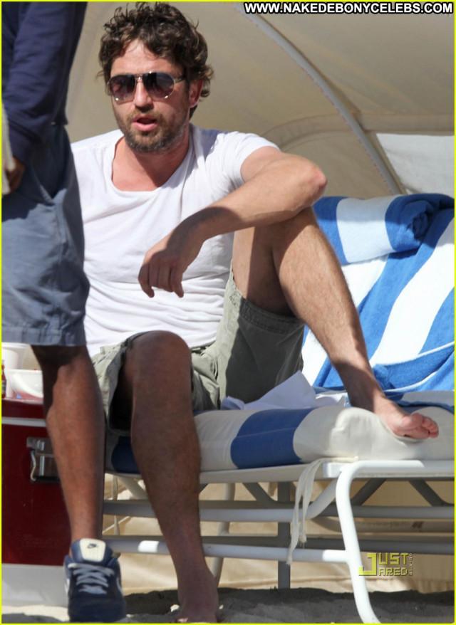 Gerard Butler South Beach Babe Celebrity Uk Posing Hot Beach Beautiful