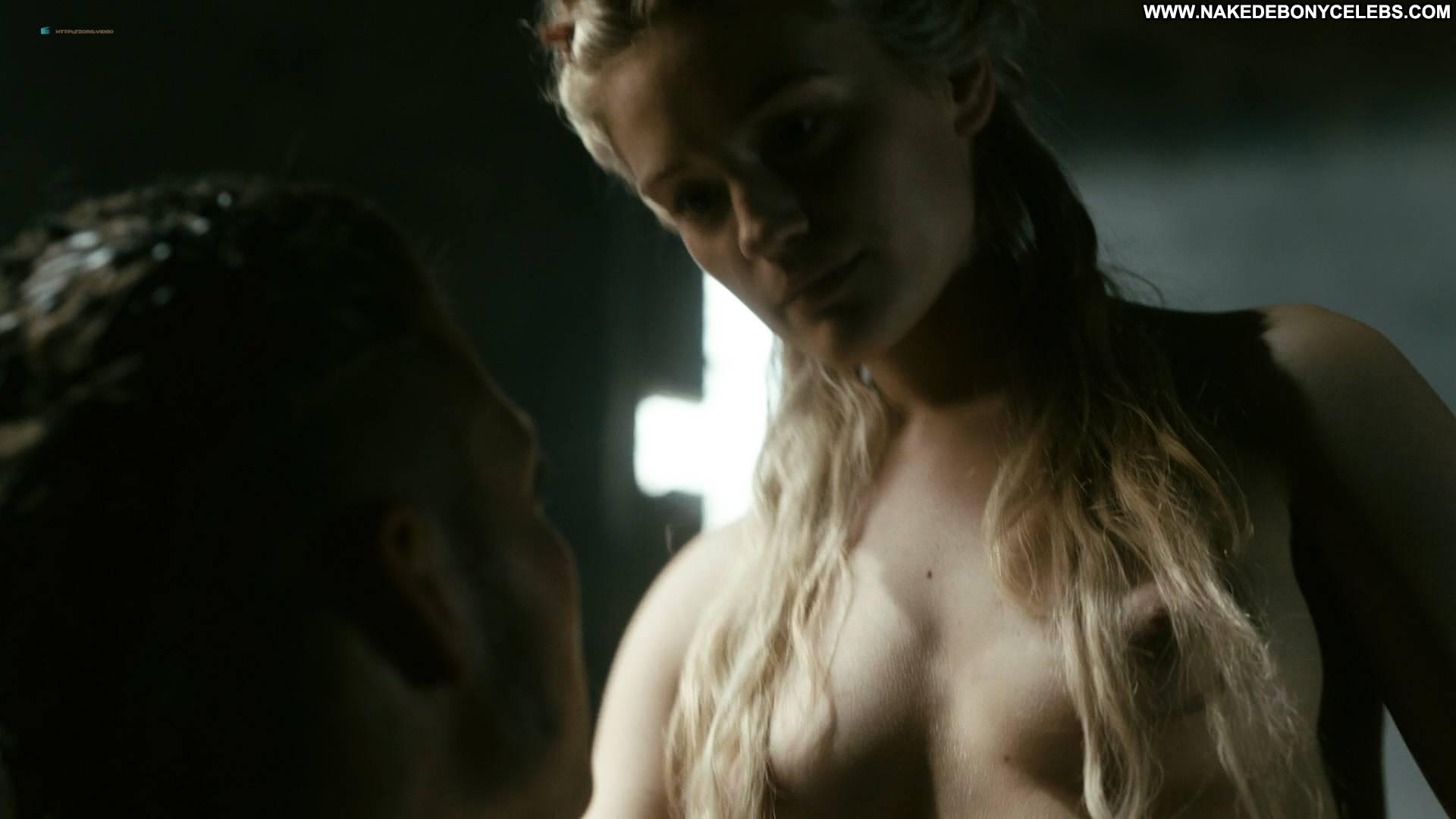 hot naked women moms